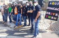 Life auxilia no drive thru beneficente em Garça que celebrou dois anos da rádio Nova Alternativa