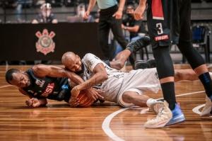 Com garra, Zopone/Gocil Bauru Basket derrota o Sesi Franca: 74 a 70
