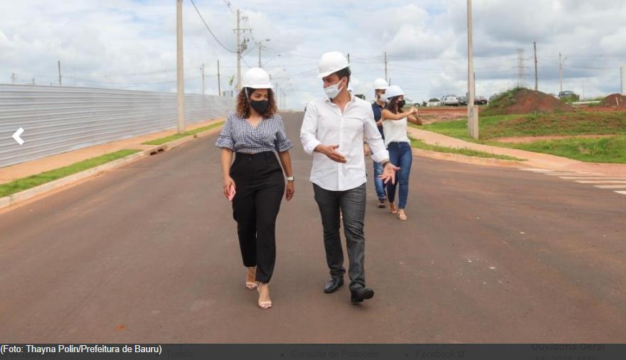 Prefeita Suellen Rosim e secretários visitam obras do Residencial Vida Nova Bauru