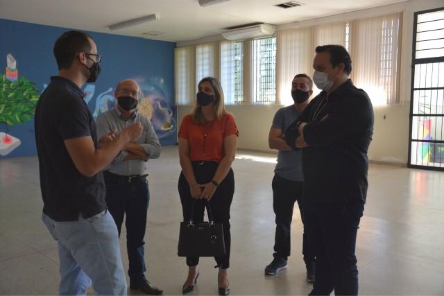 Gestores do município de Bauru visitam Inova Prudente. Secretário Charlles Rodrigo foi conhecer Fundação.