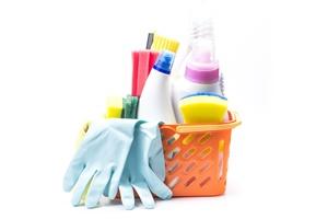 Um ano de pandemia: o que devemos manter para deixar a limpeza da casa em ordem