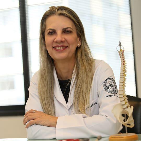Pacientes reumáticos e os cuidados com a vacina do covid-19