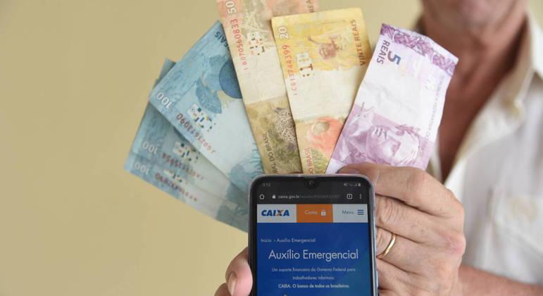 Governo define valores do auxílio emergencial e pagará até R$ 375