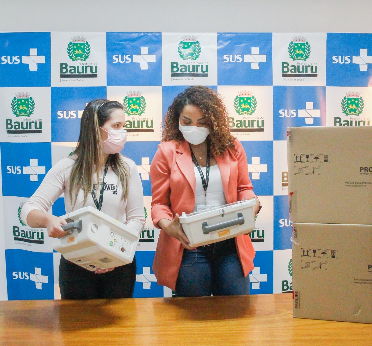 Secretaria de Saúde recebe a doação de monitores de empresas