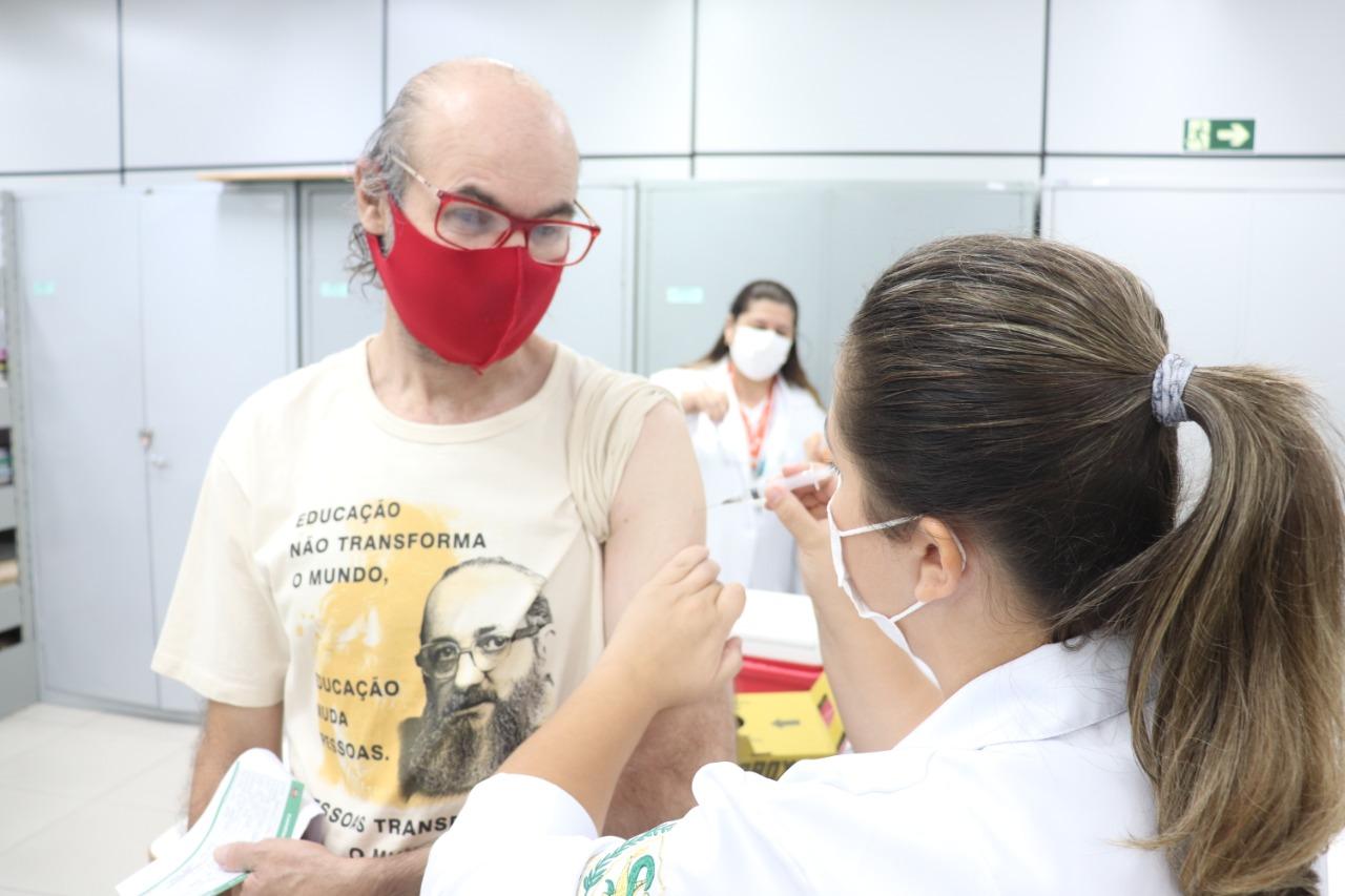 Prefeitura de Bauru conclui segunda etapa da vacinação de profissionais da educação
