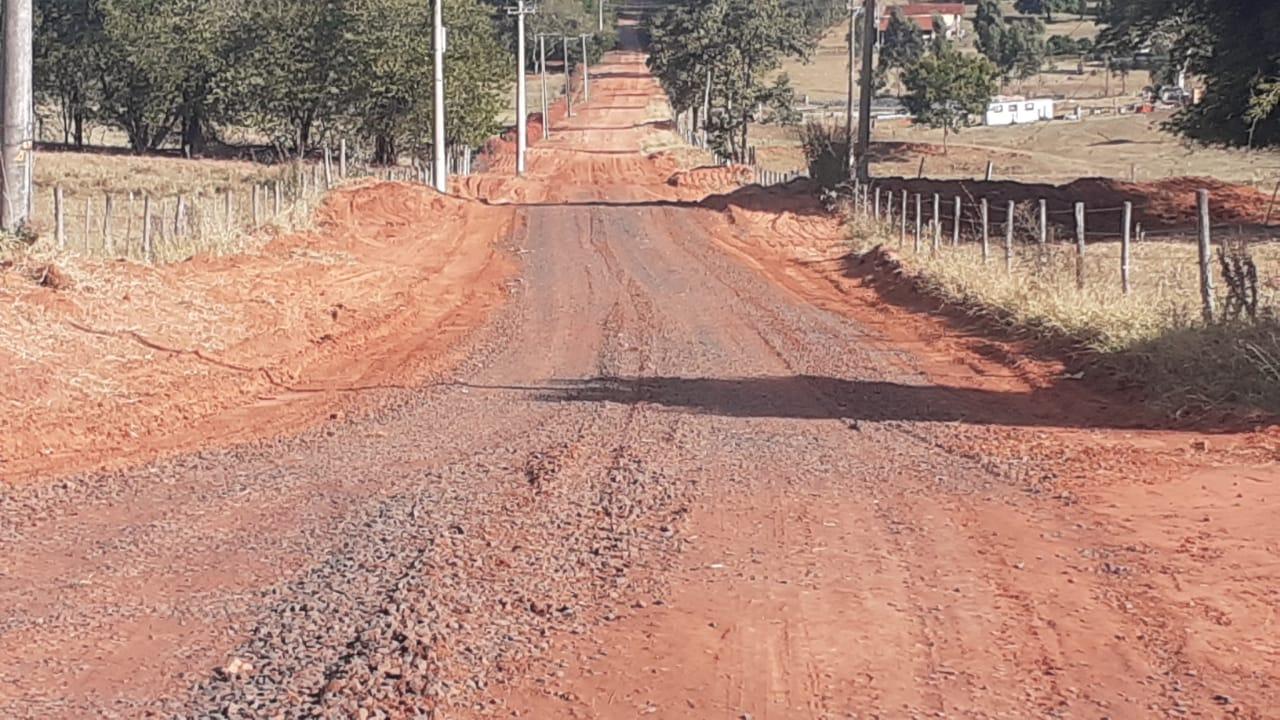 Sagra segue com serviços de manutenção de estradas rurais de Bauru