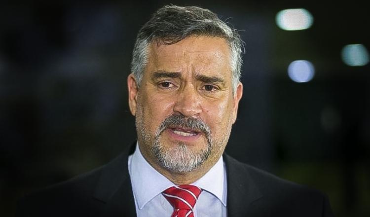 Artigo: Se não houver impeachment, o capitão continuará matando, escrito por Paulo Pimenta, deputado federal.