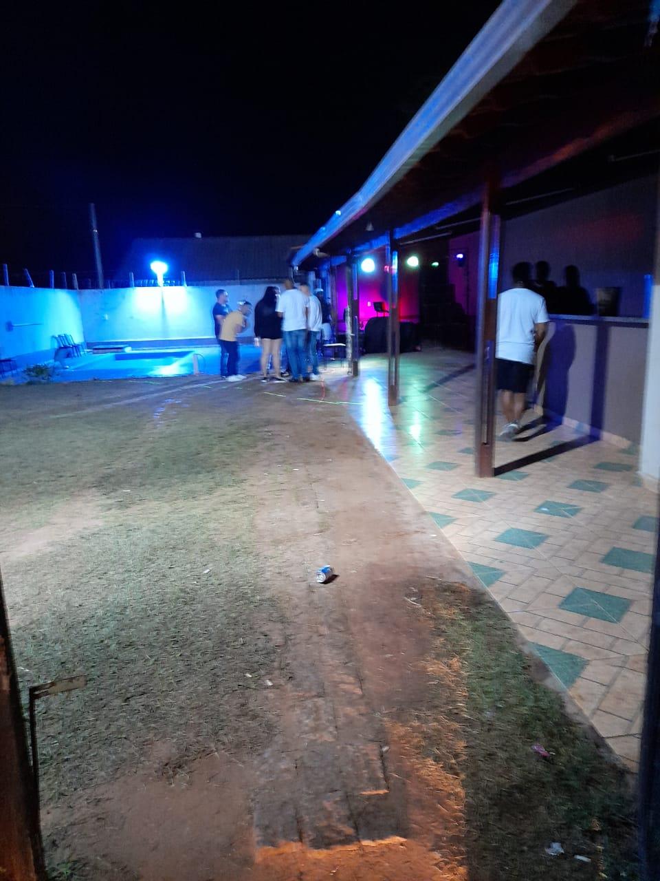 Fiscalização da Prefeitura encerra seis festas clandestinas com aglomeração neste fim de semana