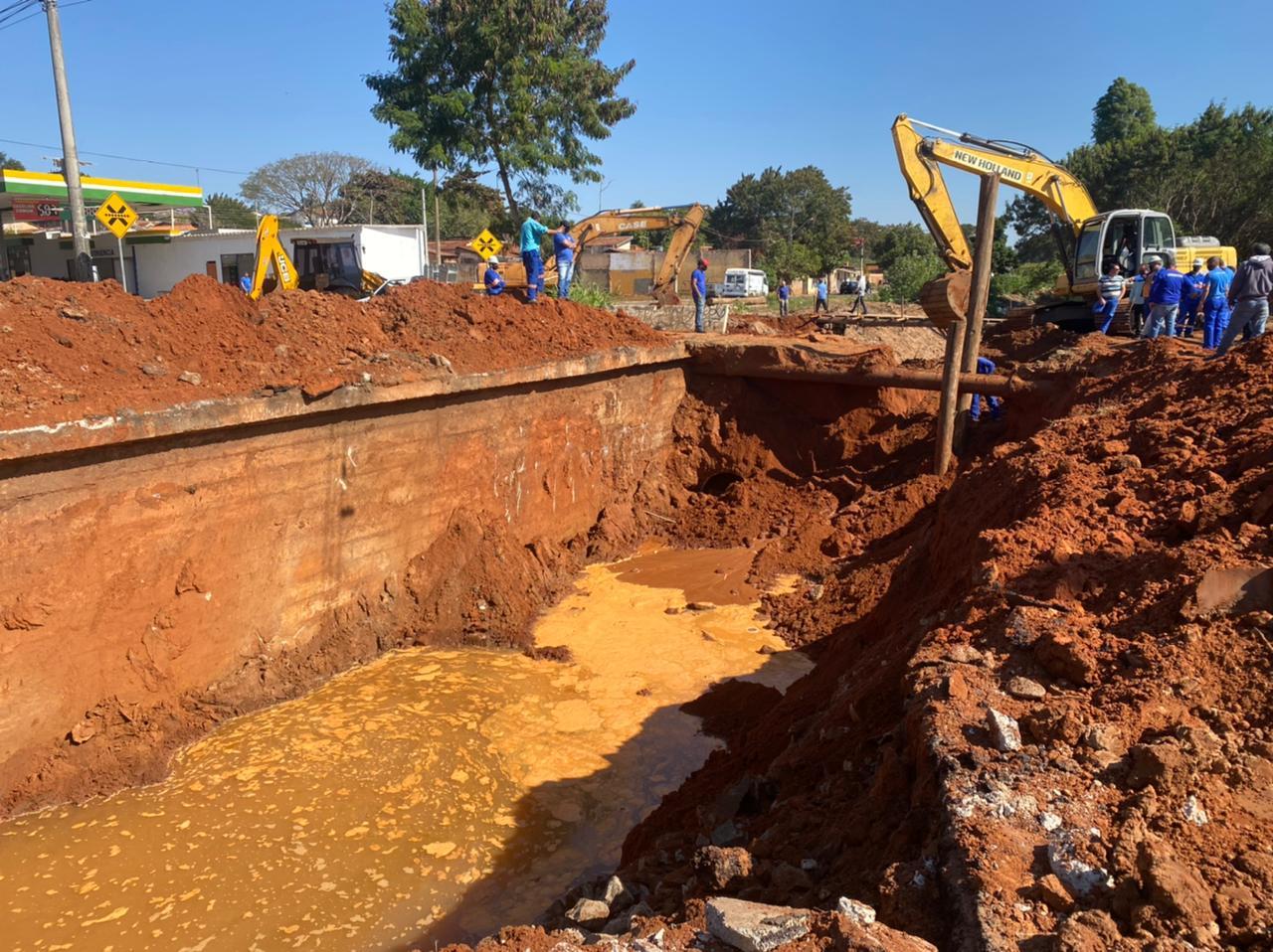 Prefeitura de Bauru prossegue com obra na Avenida Daniel Pacífico