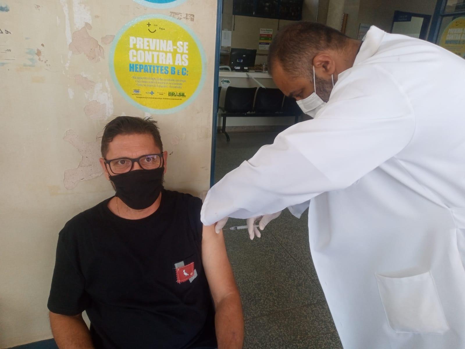 Bauru: Vacinação contra a Influenza também bate recorde e aplica mais de 16 mil doses neste sábado