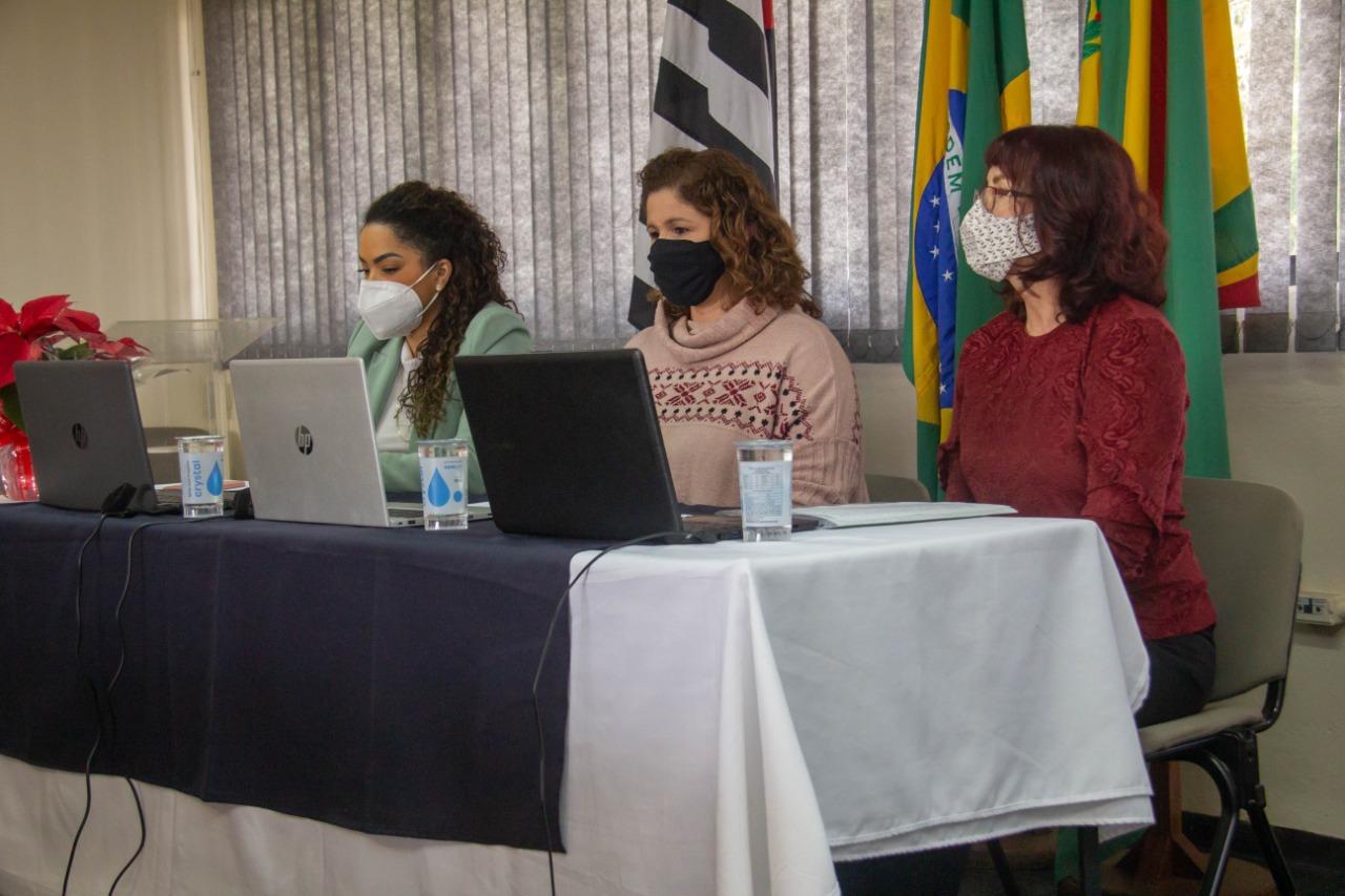 Prefeita Suellen participa de conferência com o tema