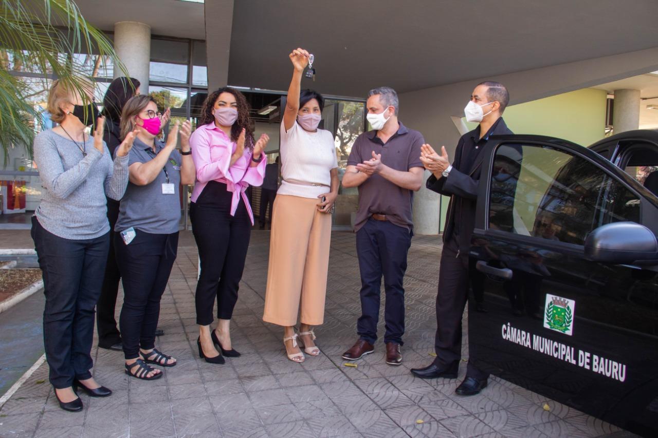 Prefeitura de Bauru recebe carro doado pela Câmara Municipal