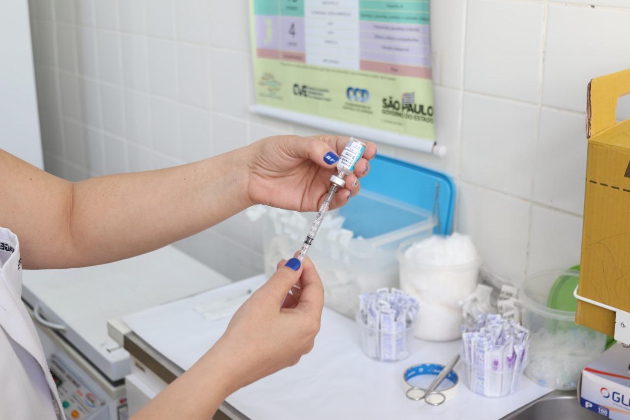 Bauru bate recorde de aplicação de doses de vacinas da Covid-19 em um único dia