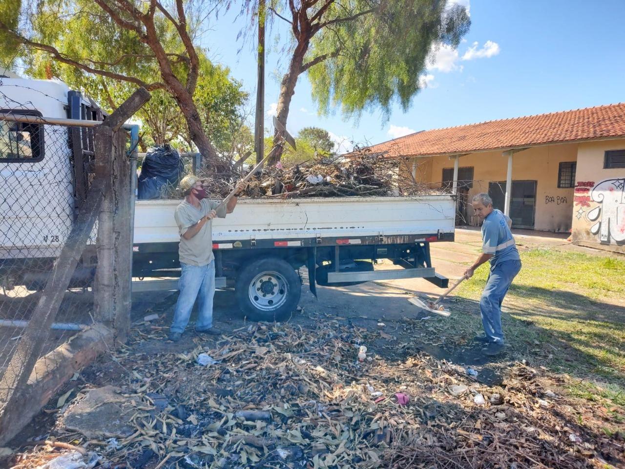 Secretaria de Obras intensifica recuperação de ruas de terra na cidade