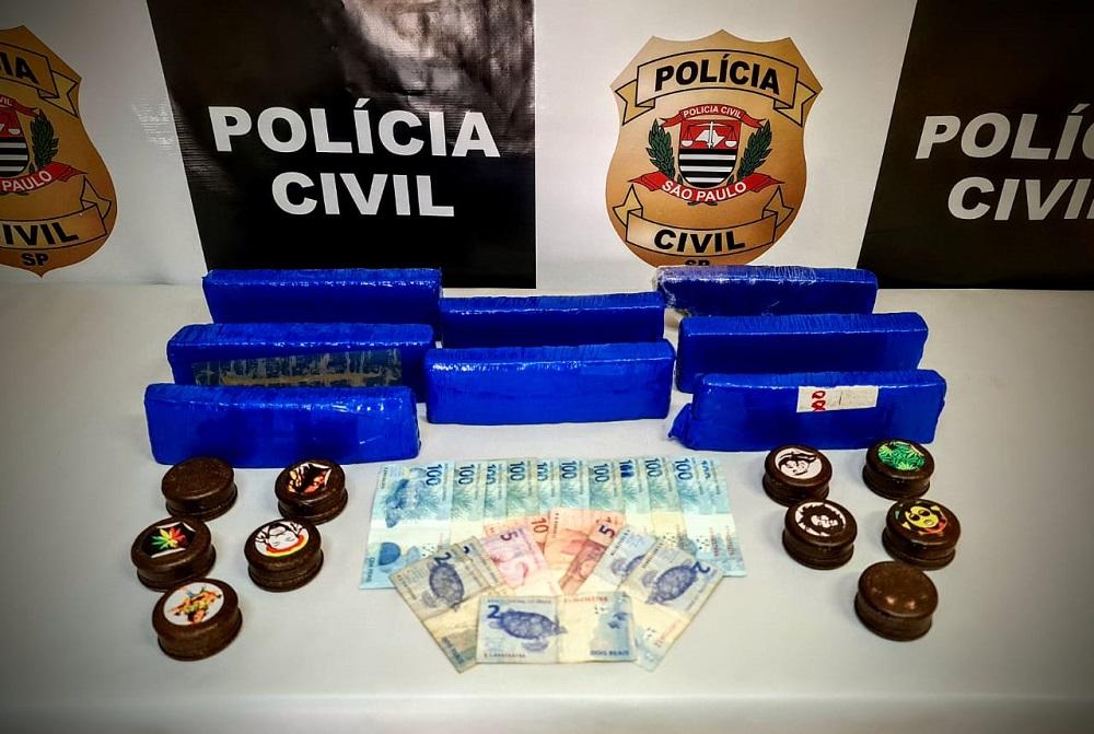 Polícia Civil prende dois homens que transportavam oito tijolos de maconha