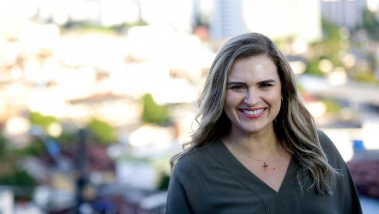 Deputada federal Marília Arraes articula contra veto de Bolsonaro à distribuição de absorventes